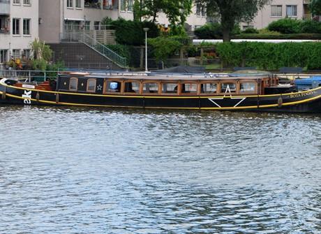 Belettering op boot