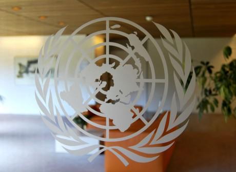 Gematteerd logo op glas