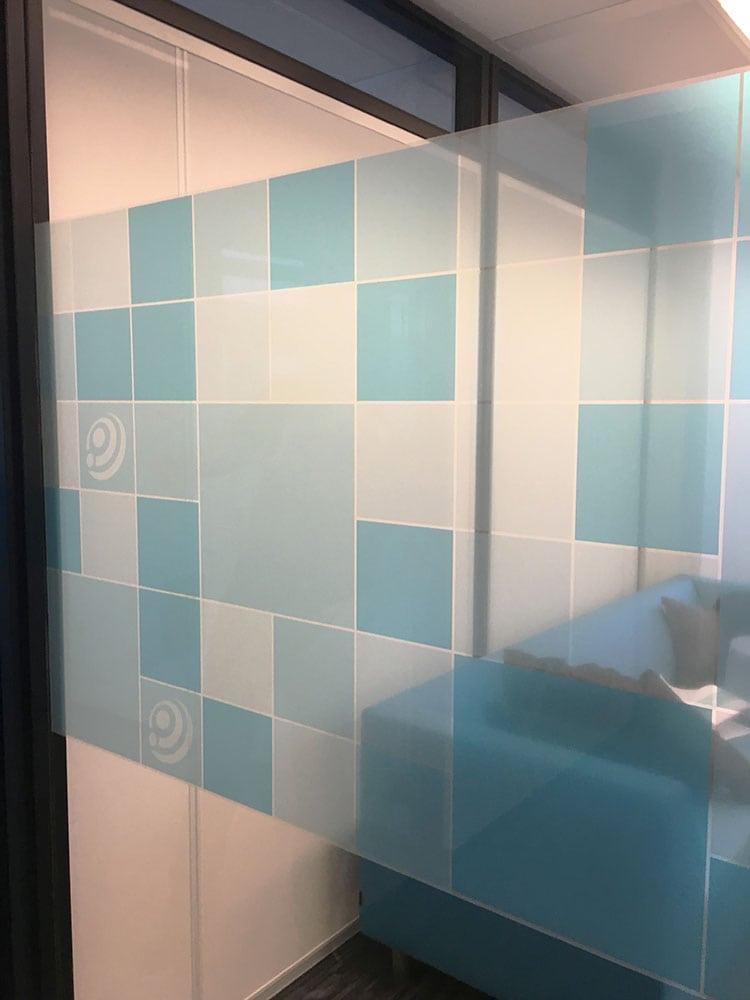Privacy sticker voor kantoor kamer 2