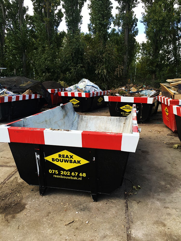 Reclame op bouwafval container 1